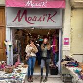 La boutique Mosaik de Montpellier a fermé ses portes.... Nous vous  remercions de tout coeur pour ces 18 annees passées avec vous❤️❤️ Nous avons pris beaucoup de plaisir, merci à toutes nos gentilles clientes de la rue Jean Moulin 🙏Vous etiez tres nombreuses et fideles, de tous ages et de tous styles, et vous allez nous manquer!!  Vous avez été nombreuses à nous temoigner votre regret que la boutique ferme..., ce qui nous a beaucoup touché 🥰 mais toutes les bonnes choses ont une fin. Notre fermeture est un choix, pas une contrainte due à l'actualité. Mosaik reste ouverte sur internet, venez continuer l'aventure sur notre boutique en ligne!! www.bijouxindiens.net.  Vous retrouverez tous vos bijoux préférés 👍 Alors encore merci à vous toutes, on vous souhaite le meilleur☀️🌺🥂 On vous aime❤️❤️❤️