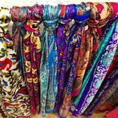 Venez découvrir nos nouveaux foulards en soie sur le site 🥰 ils vous apporteront douceur, chaleur et couleur ❤️ Rendez vous sur www.bijouxindiens.net
