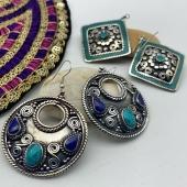 Nos nouvelles boucles d'oreilles ethniques sont en ligne 😍 Vous êtes plutôt de style classique, ethnique ou bohème? Www.bijouxindiens.net