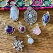 Tous ces nouveaux pendentifs sont maintenant disponibles sur le site! Www.bijouxindiens.net