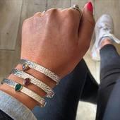 Du nouveau du côté de nos bracelets en métal argenté et pierres 😍 Un tout nouveau modèle encore jamais vu ❤️ Www.bijouxindiens.net