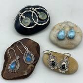 Encore ! Et oui encore de la nouveauté du côté des boucles d'oreilles en argent et pierres naturelles 🥰 Venez y jeter un coup d'œil ❤️ www.bijouxindiens.net